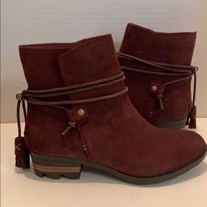 👠SOREL NEW W/ TAG Short BOOTIES Suede/Leather 7